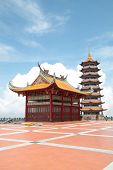 pic of gents  - Chim Sui Tample at genting high land malaysia - JPG