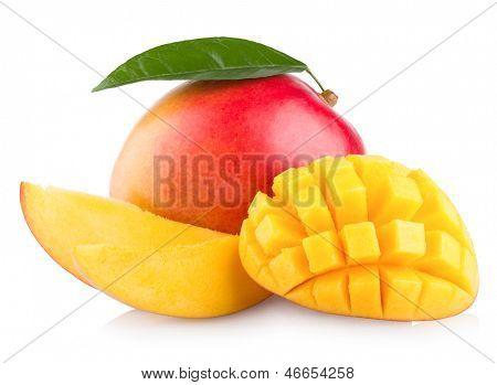 fruta da manga isolada no fundo branco