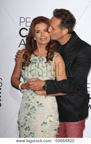 LOS ANGELES - JAN 8:  Roma Downey, Mark Burnett at the People's Choice Awards 2014 Arrivals at Nokia Theater at LA LIve on January 8, 2014 in Los Angeles, CA