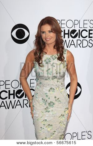 LOS ANGELES - JAN 8:  Roma Downey at the People's Choice Awards 2014 Arrivals at Nokia Theater at LA LIve on January 8, 2014 in Los Angeles, CA