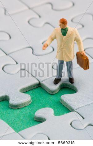 puzzle hole man