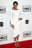 LOS ANGELES - JAN 8: Jennifer Hudson op de People's Choice Awards 2014 aankomst bij Nokia Theater een
