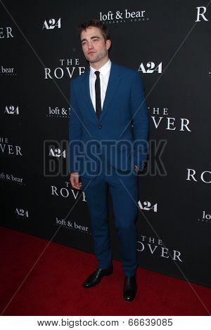 LOS ANGELES - JUN 12:  Robert Pattinson at the