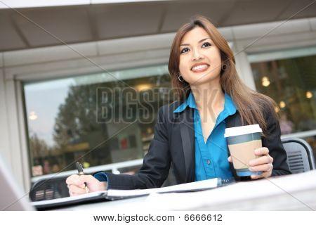 ziemlich asian Business-Frau