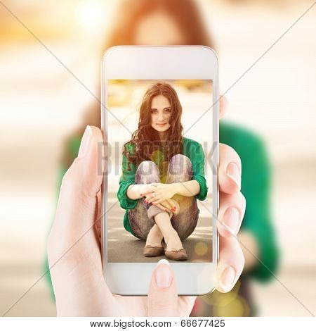 Photoshoot of young girl sitting on a way