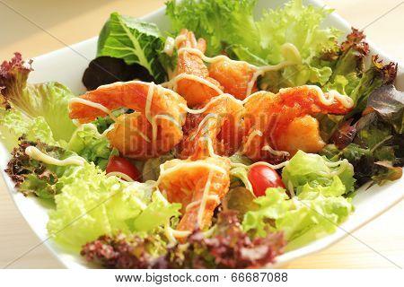 Deep fried prawns salad