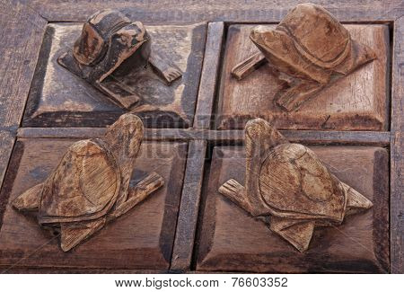 Carved Wooden Turtles On Trinket Box Compartment Lids