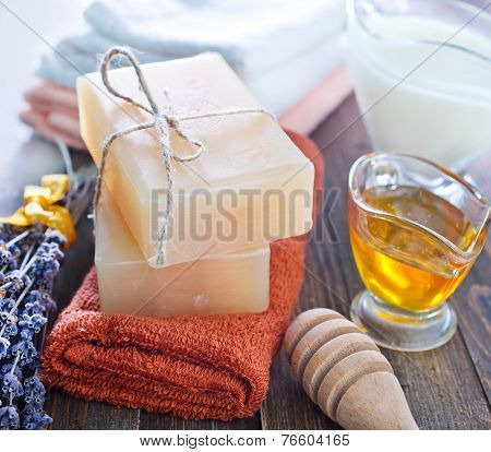 soap with extracts of milk and honey