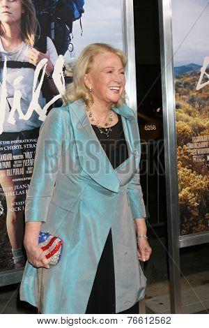m LOS ANGELES - NOV 19:  Diane Ladd at the