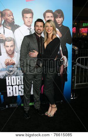LOS ANGELES - NOV 20:  Rob McElhenney, Kaitlin Olson at the