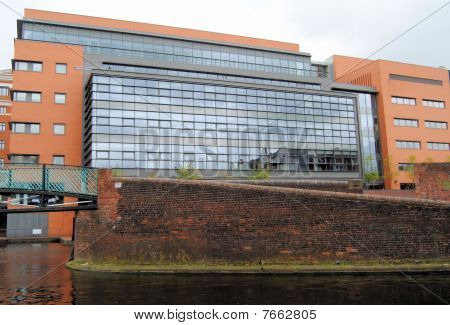 CANAL-SIDE OFFICES
