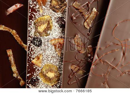 Hand-made chocolate bars (fruits)