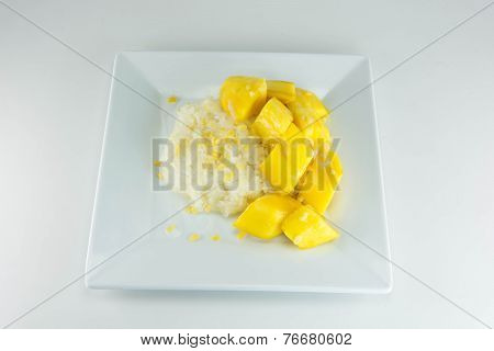 Thai Style Tropical Dessert, Glutinous Rice Eat With Mangoes.