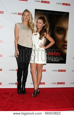 LOS ANGELES - MAR 27:  Cynthia Kirchner, Lexi Ainsworth at the