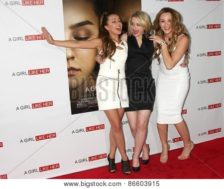 LOS ANGELES - MAR 27:  Lexi Ainsworth, Joey King, Hunter King at the