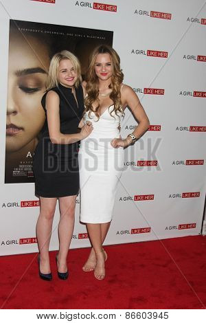 LOS ANGELES - MAR 27:  Joey King, Hunter King at the