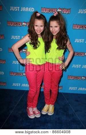 LOS ANGELES - MAR 26:  Bianca D'Ambrosio, Chiara D'Ambrosio at the Just Jared's Throwback Thursday Party at the Moonlight Rollerway on March 26, 2015 in Glendale, CA