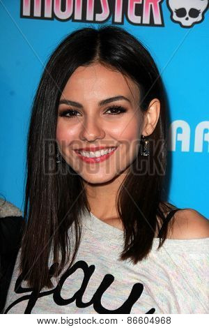 LOS ANGELES - MAR 26:  Victoria Justice at the Just Jared's Throwback Thursday Party at the Moonlight Rollerway on March 26, 2015 in Glendale, CA