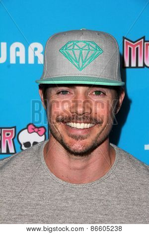 LOS ANGELES - MAR 26:  Josh Henderson at the Just Jared's Throwback Thursday Party at the Moonlight Rollerway on March 26, 2015 in Glendale, CA