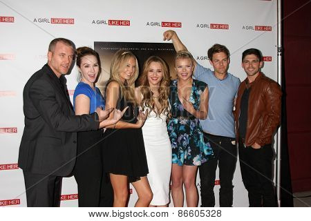 LOS ANGELES - MAR 27:  S Carrigan, Camryn Grimes, M Ordway, Hunter King, Kelli Goss, L Buchanan, Robert Adamson at the