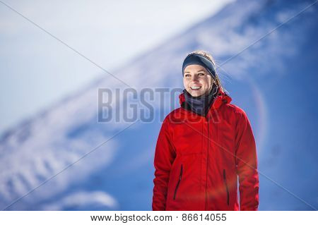 Woman jogging in winter nature