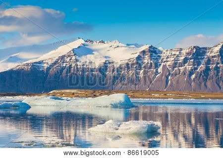 Beauty of Jokulsarlon lagoon in Iceland