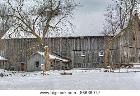 Winter barn 498
