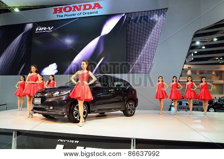 Bangkok - March 26 : Unidentified Young Woman, Honda Lady, Presented Honda Hrv, Mini Suv, On Stage A