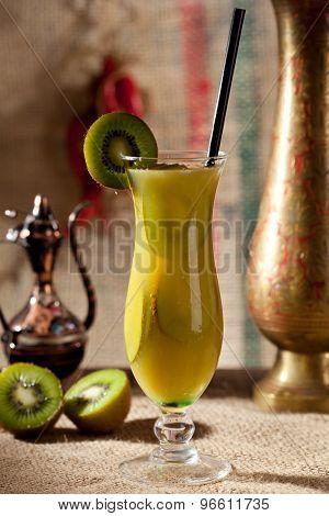 Pineapple Juice with Kiwi Slice