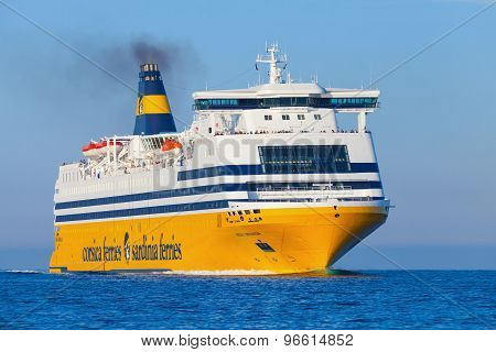 The Mega Express Ferry, Big Passenger Ship