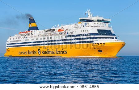 Mega Express Ferry, Big Yellow Passenger Ship