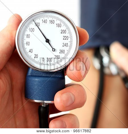 Measuring The Normal Blood Pressure