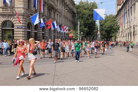 Street Parade Participants On The Paradeplatz Square