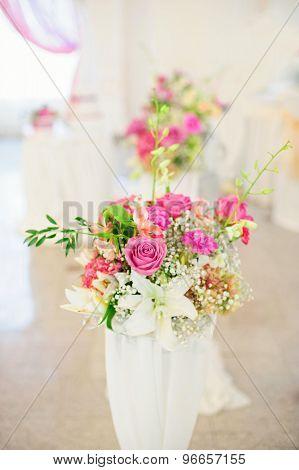 Flower composition in wedding restaurant