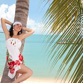 Постер, плакат: Молодые моды женщина на пляже