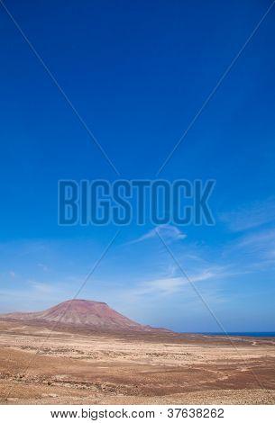 Norte de Fuerteventura, Montana Roja (montaña roja)