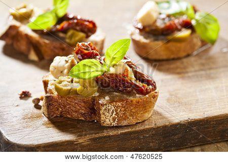 Bruschetta de aperitivo italiano
