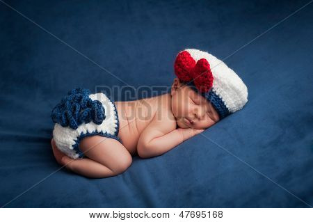 Neugeborenes In Sailor Girl Kostüm