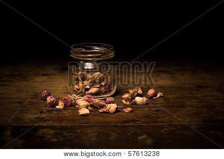 Dried Rosebuds