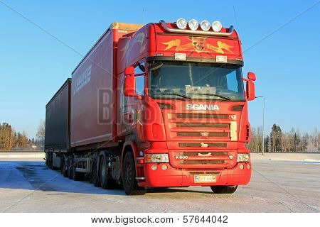Red Scania R500 Long Haulage Truck In Winter
