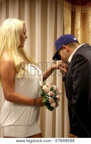 Las Vegas Wedding Chapel Images Stock Photos Amp Illustrations