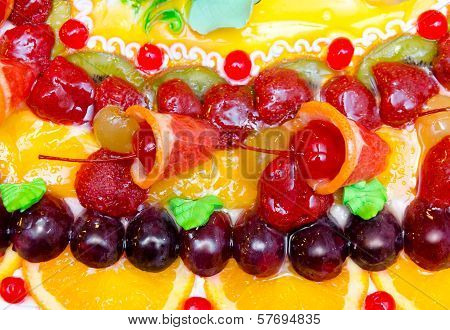 Fruit Cake, Closeup