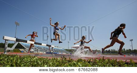 Steeplechase Track Women Water Jump