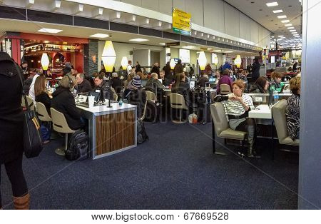 New York City, Usa, March 3, 2014 - Internet Cafe Equipped With Ipads At Jfk Airport Terminal On Mar
