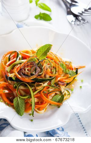 Zucchini and carrot salad with spicy dressing