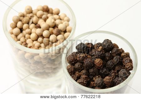 black pepper&white pepper