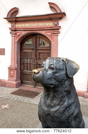 Sculpture of a Rottweiler in Rottweil