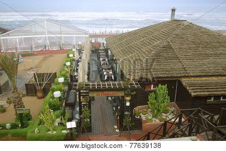Restaurant and visit bars in boulevard de la Corniche in Casablanca