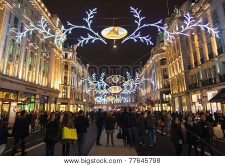 Black Friday weekend in Regent street. First sale