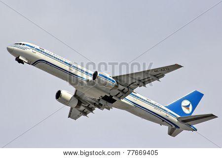 Azerbaijan Airlines Boeing 757